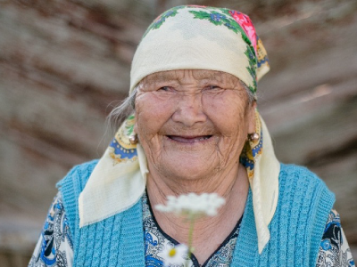 Kazakhstan-woman-(c)-HelpAge-International