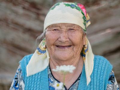Kazakhstan-woman-(c)-HelpAge-International